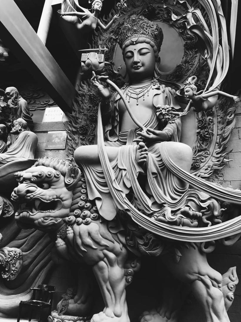 gautama buddha statues